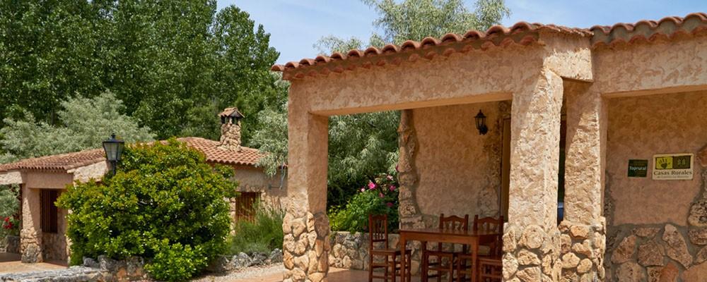 Otra vista exterior de las casas rurales en Yeste - Casas Rurales Amable