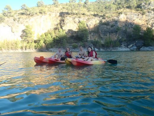 Actividad Piraguismo en aguas tranquilas. Casas rurales en Yeste - Casas Rurales Amable